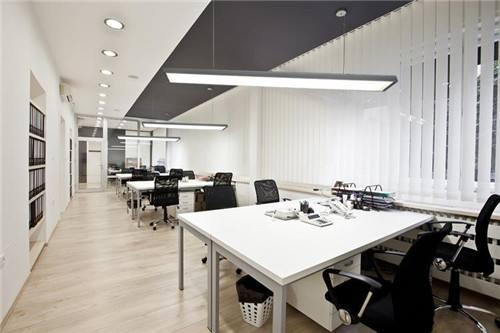 两方面分析济南办公室装修中灯具的选择方法